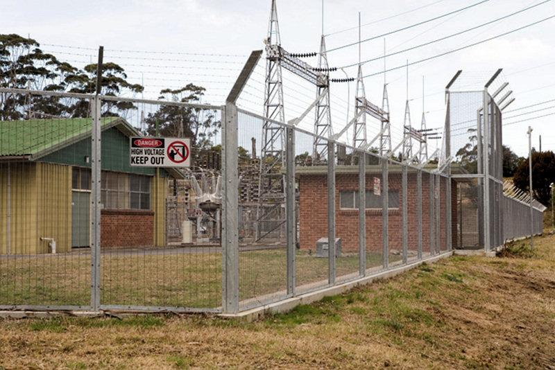 CF 358 High Security Gate and Fencing with Barbed Wire
