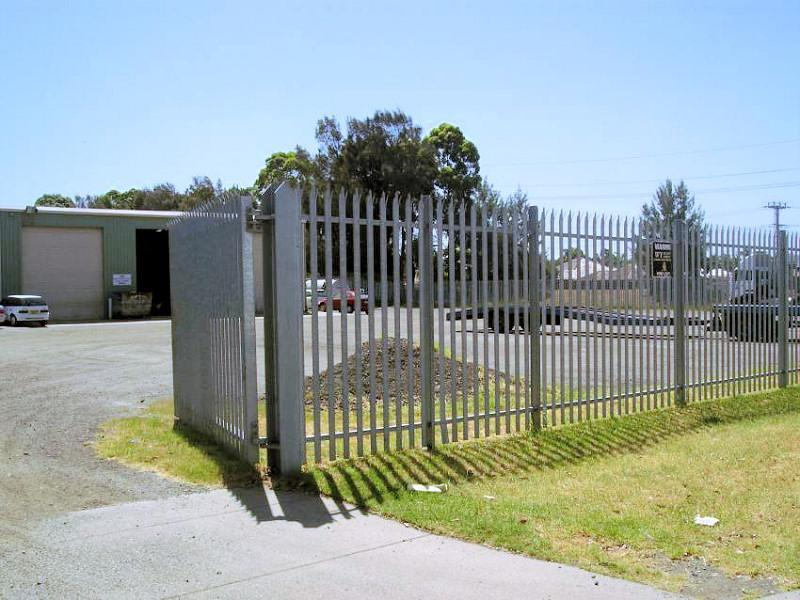 Colemans fencing d panel palisade commercial